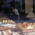 В Лондоне тоже пекут булочки...