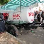 А это как раз 9 мая в центре, рядом с площадью Нахимова, где было тогда море людское